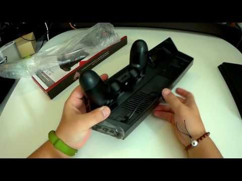 Jelly Comb PS4スリム用 多機能縦置きスタンド ローラー2台充電 放熱 2冷却ファン/USBハブ付 PlayStation 4 Slim ゲーム専用 PS4ディスク収納 2モードライト (ブラック)|密林レビューでは言えない!!
