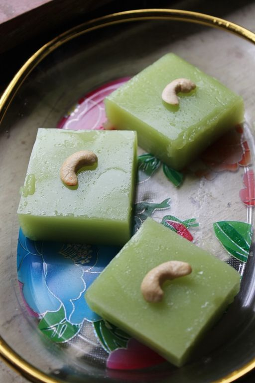 YUMMY TUMMY: Kadal Pasi / Kadal Paasi / China Grass Pudding / Coconut Milk & Agar Agar Pudding - Ramzan Special Recipes