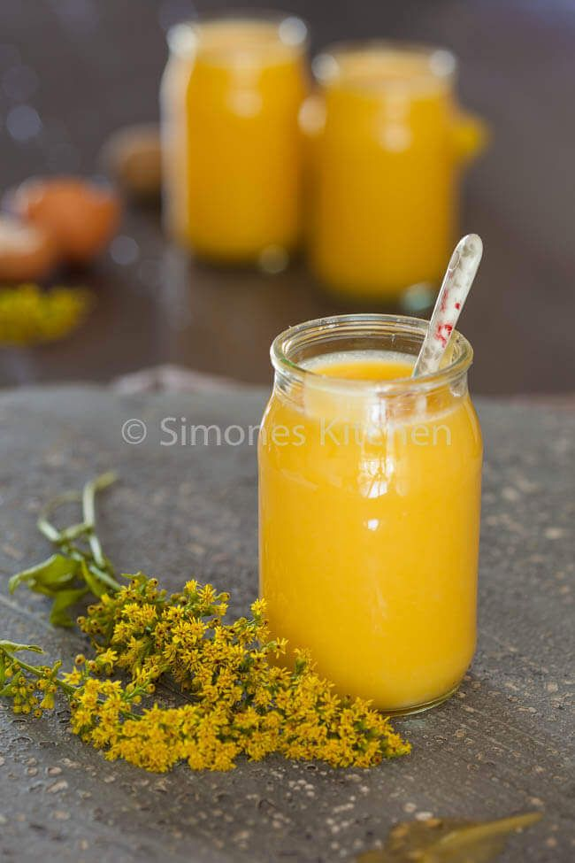 Als je van citroen houdt dan is het maken van lemon curd eigenlijk een 'must do' Erg lekker en heel snel!