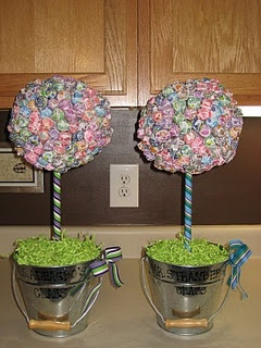 Dum Dum Lollipop Trees. Love. I made some of these for a She's About to Pop baby shower!