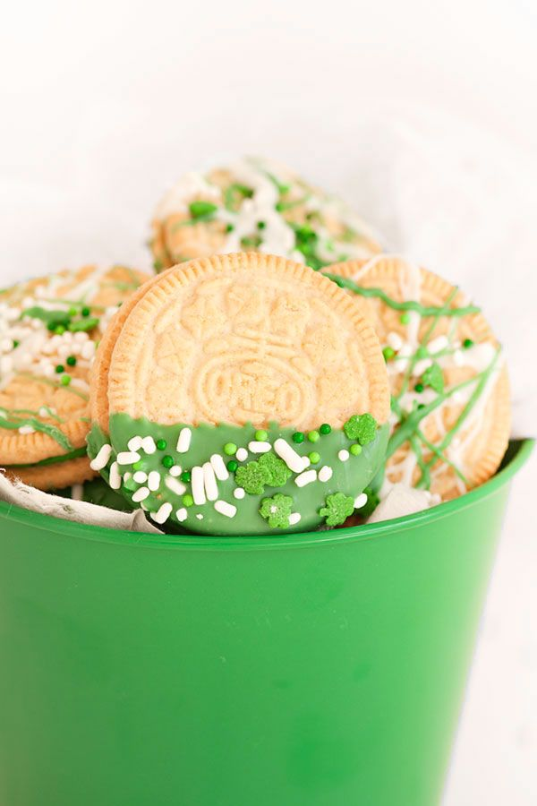 St.Patrick's Day Oreos | Sprinkles for Breakfast
