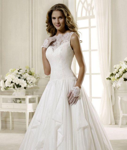 romantické svadobné šaty, krajkové svadobné šaty, šaty banská bystrica, svadobné šaty s veľkou sukňou