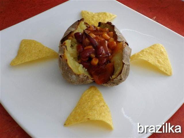Идеята ми дойде от популярното мексиканско ястие чили кон карне, което се приготвя с месо, но тъй като ястието е приспособено за време на п...
