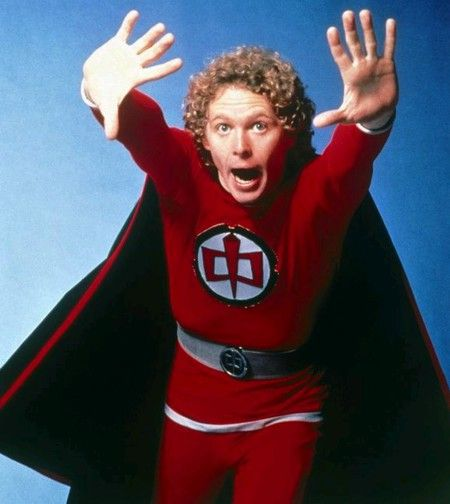 William Katt como El gran héroe americano, meriendas felices y ochenteras.