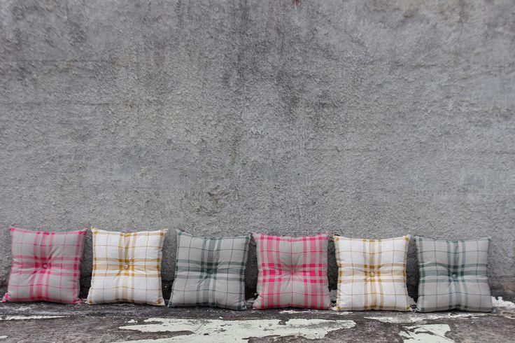 Tartan buttoned cushions