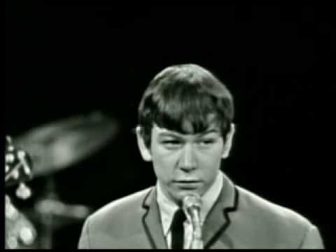 The Animals - House Of The Rising Sun -1964 - the ENERGY! that voice! those screaming girls! this is a great rendition of this song once they get into it.