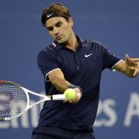 Roger Federer will try a larger racket after rankings fall