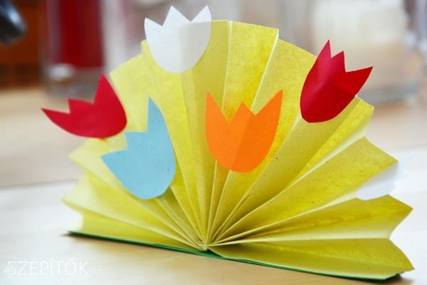 Öt perc és kész! Könnyen kivitelezhető tavaszi asztali dekor papírból