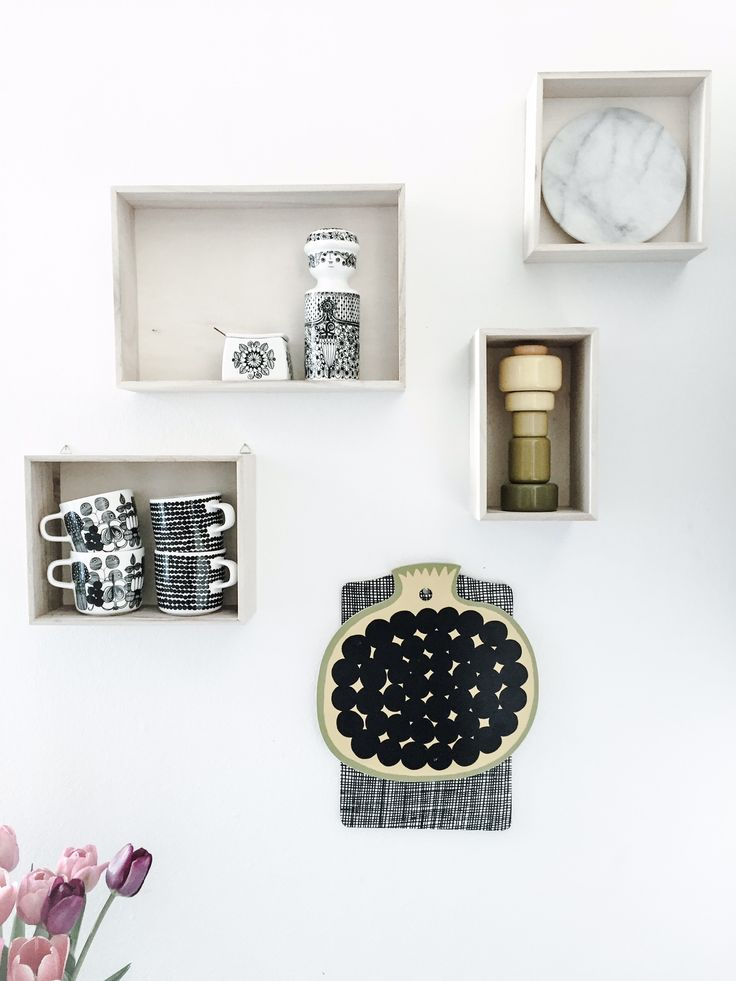 kitchen shelf styling #marimekko #figgjo #muuto #grene #scandinavian http://m.finn.no/realestate/homes/ad.html?finnkode=71825846