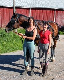 Valjakkoajo on hevosharrastus, joka on jäänyt Suomessa vähälle huomiolle. Pohjanmaalla Munsmon kylässä Sulvalla harrastetaan jo toden teolla. Lue lisää.