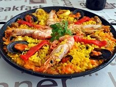 Spanish paella recipe - Discover how to cook this world-known Spanish Tapas dish!