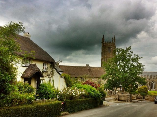 Pictures of England Village Life - #rock-cafe