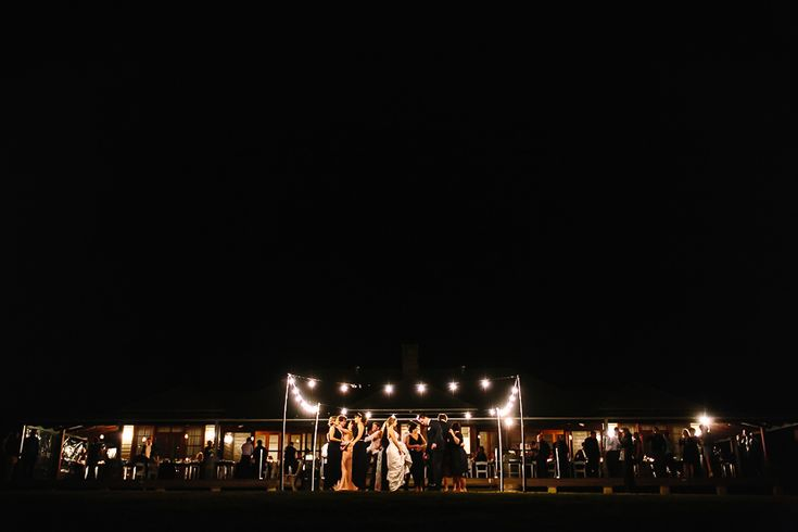 Hanging Tree Wine - Hunter Valley wedding venue and accommodation