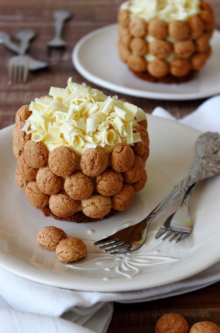 Witte chocoladetaart met pepernoten