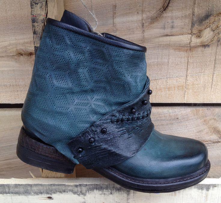A.S.98 709208  http://www.traxxfootwear.ca/catalog/6400589/as98-709208
