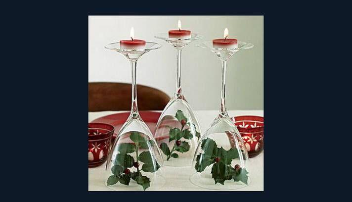 Use as taças do avesso para decorar a mesa, colocando velas sobre elas Foto: Reprodução da internet