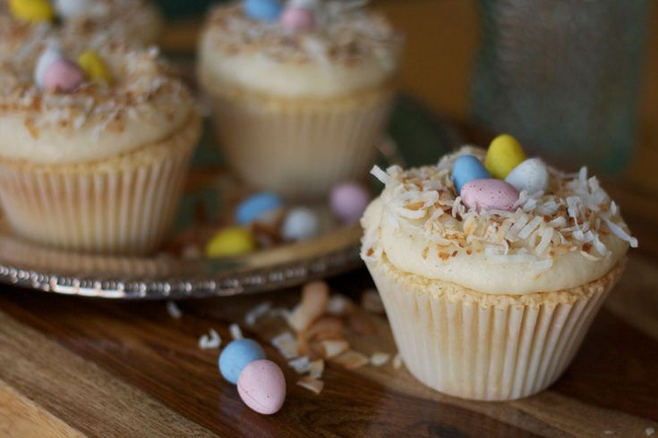 Birds Nest Cupcakes: these little masterpieces are PERFECT for any springtime meal!      http://www.rodellekitchen.com/our-recipes/birds-nest-cupcakes: Nests Cupcakes, Desserts Recipes, Based Cupcakes, Cupcake Recipes, Birds Nests, Bird Nests, Cupcakes Recipes, Easter Cupcakes, Cupcakes Rosa-Choqu
