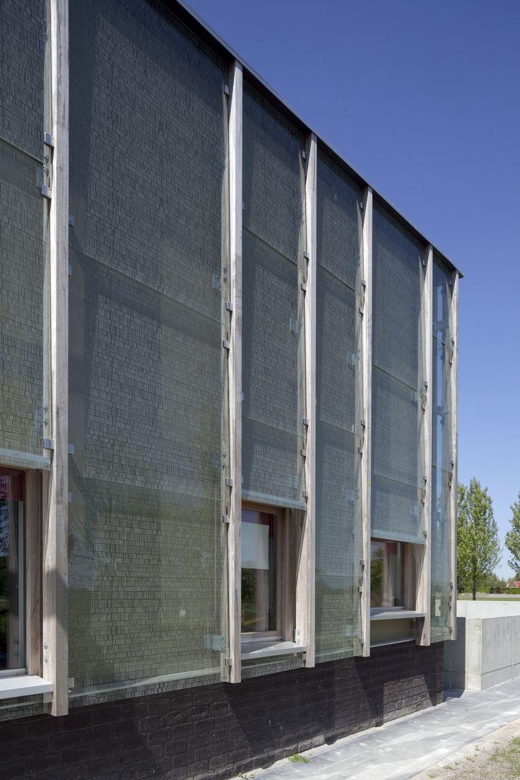 51faf8b9e8e44e82ac000011_multifunctionial-centre-de-boomgaard-bastiaan-jongerius-architecten_10196-31.jpg (2000×3000)