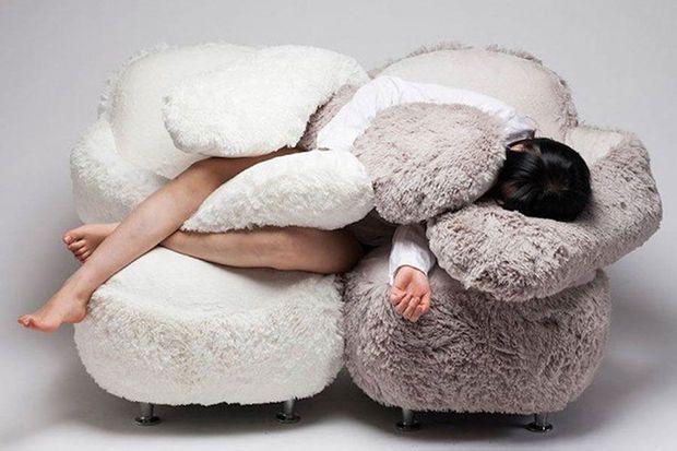 Deze zetel knuffelt je na een zware dag