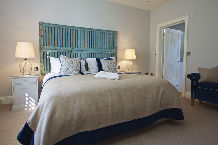 Hillfield Village - Double bedroom with ensuite