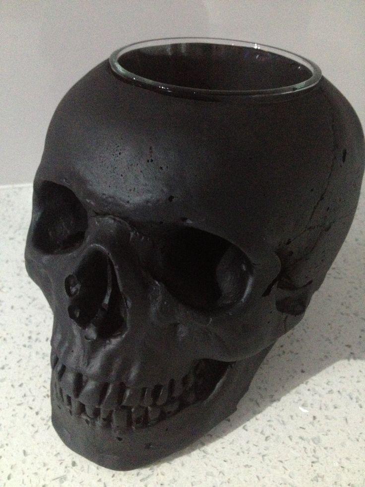 Kreepy Kulture Skull vase, pot