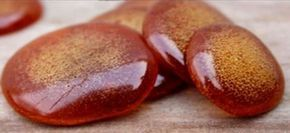 Med + kokosový olej + skořice: Domácí pastilky, které vám ušetří cestu k lékaři