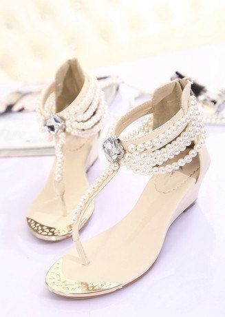Unique flat shoes Pearl wedding shoes flat bridal by casehome1818, $75.00 Great reception shoes idea
