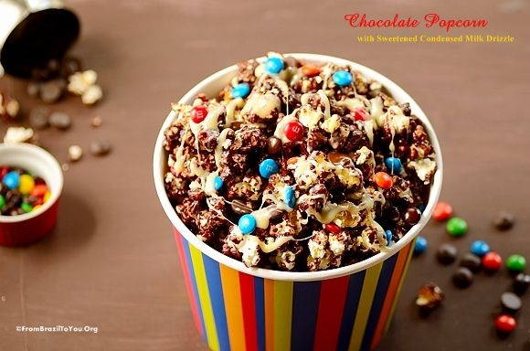 Quick Chocolate Popcorn with Condensed Milk Drizzle and M&M's (pipoca de chocolate) -- a fun family treat that no children (nor adult) will turn their heads away from.