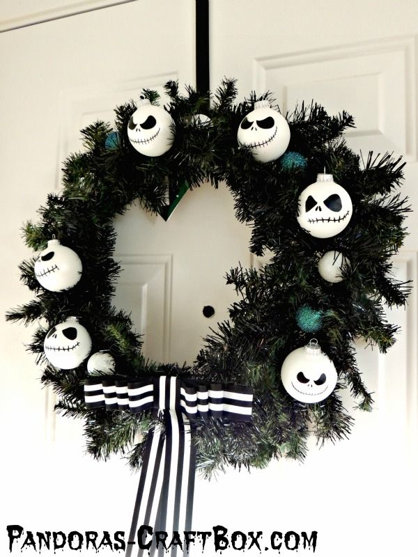 best 25 nightmare before christmas wreath ideas on. Black Bedroom Furniture Sets. Home Design Ideas
