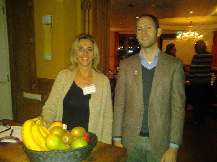 Antoinette van Lierop van Condeb als gastvrouw en gast Vincent Vitters bij BNI Donk A in Brasserie en restaurant Winkk te Dongen op 22 januari 2015