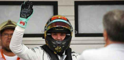 O brasileiro Felipe Massa, da Williams, largará em quinto lugar  O alemão Nico Rosberg da Mercedes vai largar na pole position no Grande Prêmio do Japão de Fórmula 1 deste domingo (27) junto ao seu companheiro de equipe, Lewis Hamilton. A segunda linha do grid de largada da corrida, que terá início às 14h00…