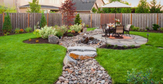 Best 25+ River Rock Landscaping Ideas On Pinterest