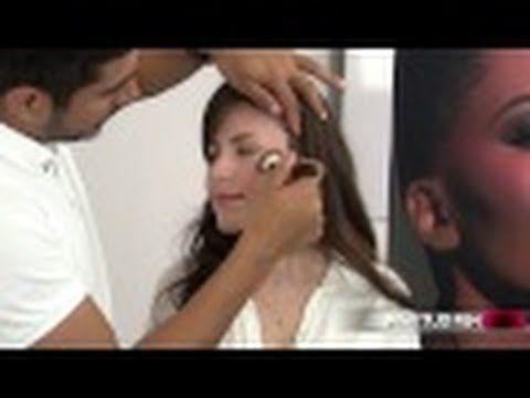 ¿Quieres aprender como aplicar rubor correctamente?  Mira este tutorial de maquillaje para distintos tipos de piel.