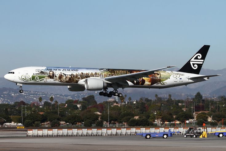 Air New Zealand Unveils Special Hobbit Livery on Boeing 777-300