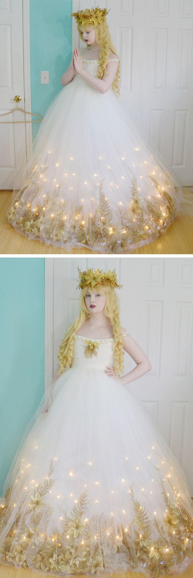 Tüllrock über das Hochzeitskleid mit Lichterketten...