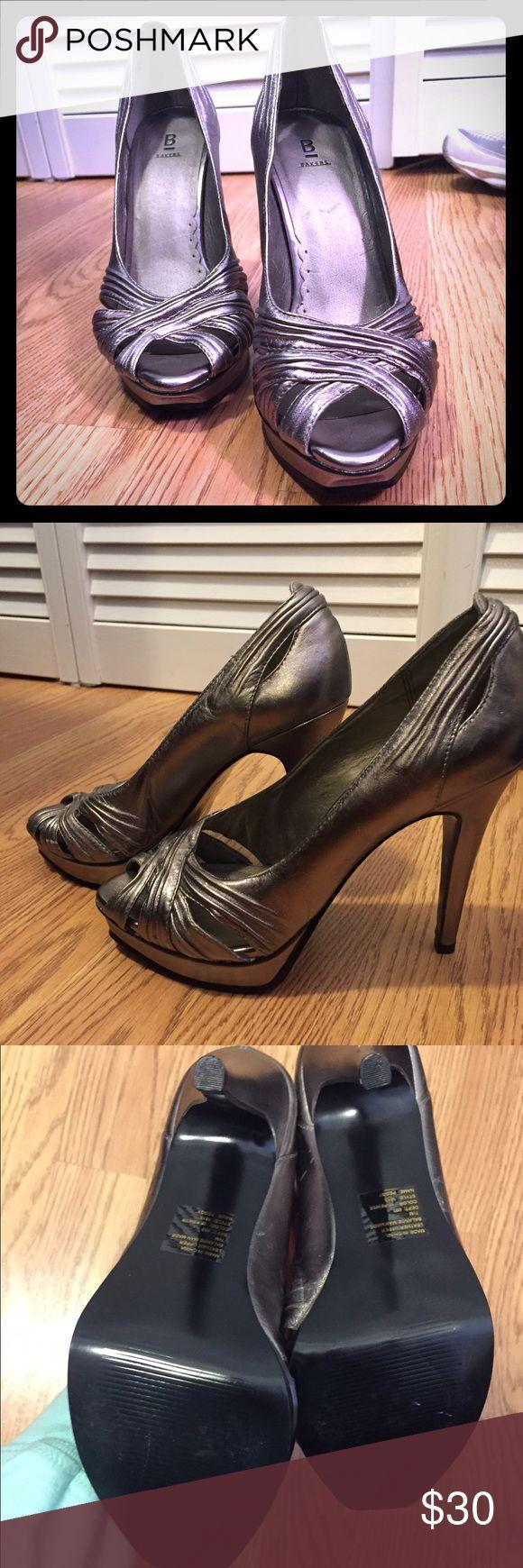 """Beautiful metallic high heels 6"""" heels, never worn Bakers Shoes Heels"""
