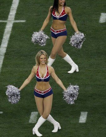 Patriots cheerleader boob