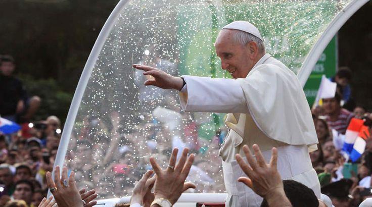 El papa Francisco usará tres papamóviles en su visita a Colombia