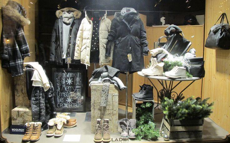 Anno nuovo! Idee nuove! Vetrine nuove! Tempo così così oggi..forse neve?! E allora non vi resta che fare shopping. Pronti qua! Donne, ecco a voi qualche spunto per le vostre pazze spese ai pre saldi...approfittatene, conviene! #fw16 #followthebuyer #fashion #instafashion #instamood #instablogger #Moena #Dolomiti #Valdifassa #LSF #ladinsport