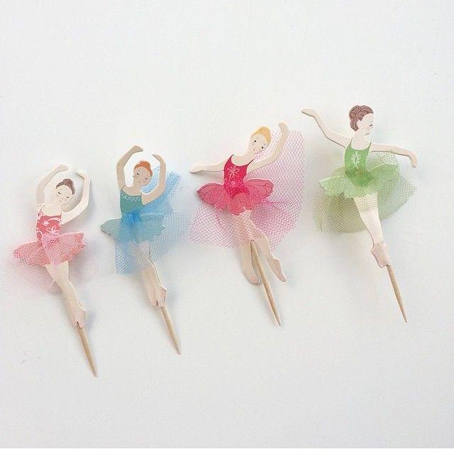 159 vind-ik-leuks, 6 reacties - Interiør, blomster og webshop (@blommedotno) op Instagram: 'Ballettdansere - perfekte som pynt på muffins og cupcakes. Disse er fra #merimeri og fås på…'