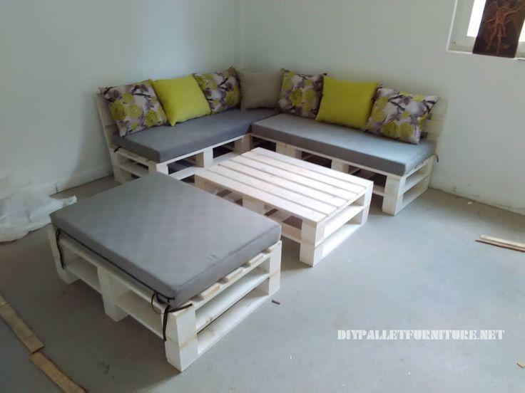 canap feuillet e et table de palettes convertible en lit pallet sofa pallets and chaise sofa. Black Bedroom Furniture Sets. Home Design Ideas