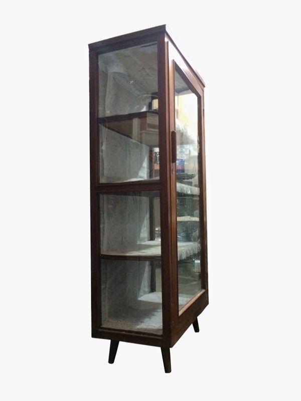 Glass cabinets 'jengki'