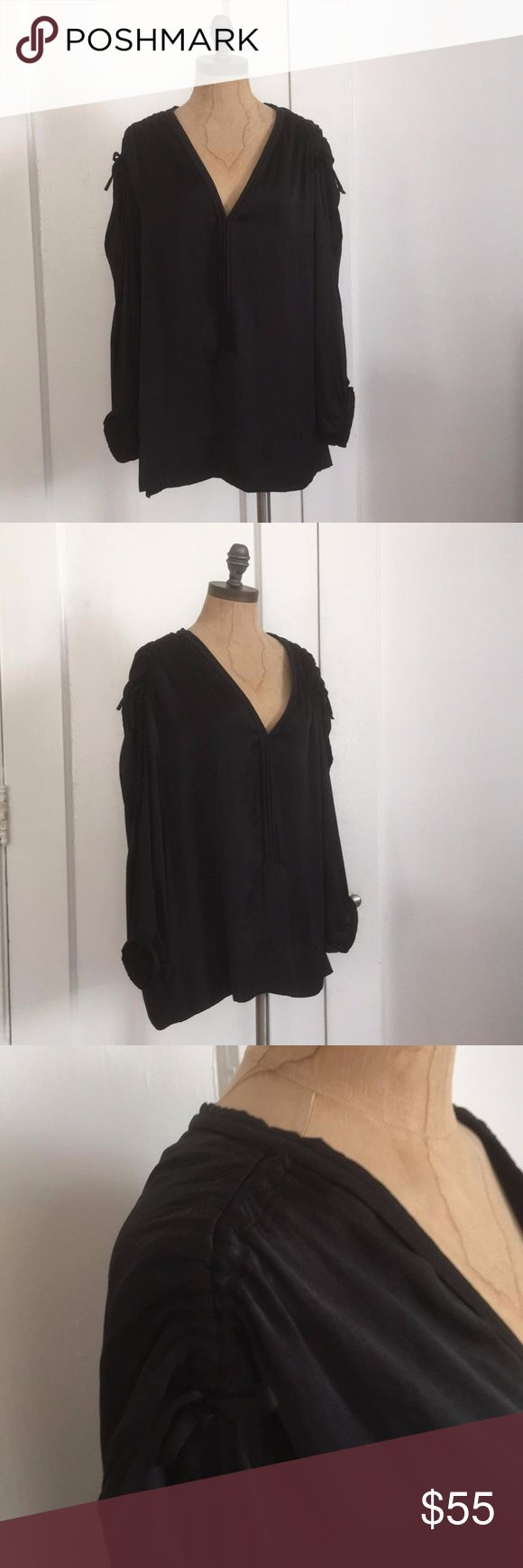 IRO BLACK SHIRT IRO WOVEN SHIRT FEATURES DEEP VE-NECK SHIRRED SHOULDERS AND OPEN SIDE SLEEVES FRONT HOOKS CLOSURE 100%POLYESTER IRO SIZE 1 FITS REG SIZE SMALL RELAXED FIT PIT TO PIT 21'' LENGTH 22'' 3.4 SLEEVES TP-723 IRO Tops Blouses