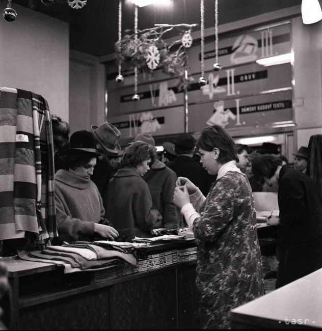 UNIKÁTNE VIANOČNÉ FOTOGRAFIE: Takto sme kedysi nakupovali - Magazín - TERAZ.sk