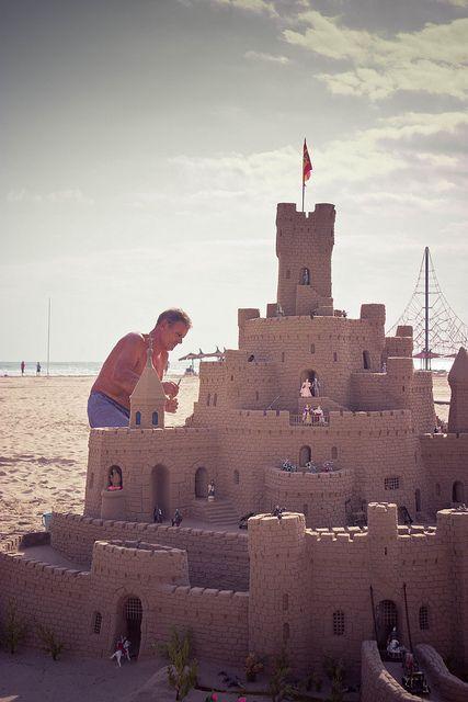 #ComunidadValenciana #Spain I've seen castles like these on the beach in Benidorm!
