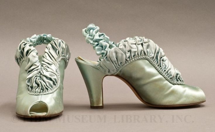 Boudoir slippers, Daniel Green, c. 1939. FIDM Museum and Galleries