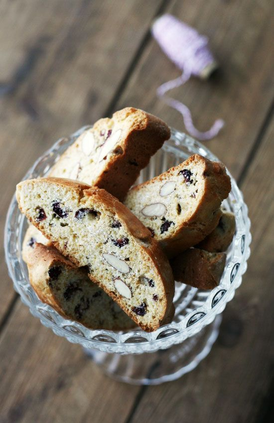 cranberry almond biscotti.. I love to make biscotti, must try this