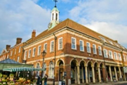 #Surrey - Regus Farnham, Town Hall Exchange - https://www.venuedirectory.com/venue/21843/regus-farnham-town-hall-exchange  This smashing #venue is perfect for all types of #meetings, #training and #team-building #events.