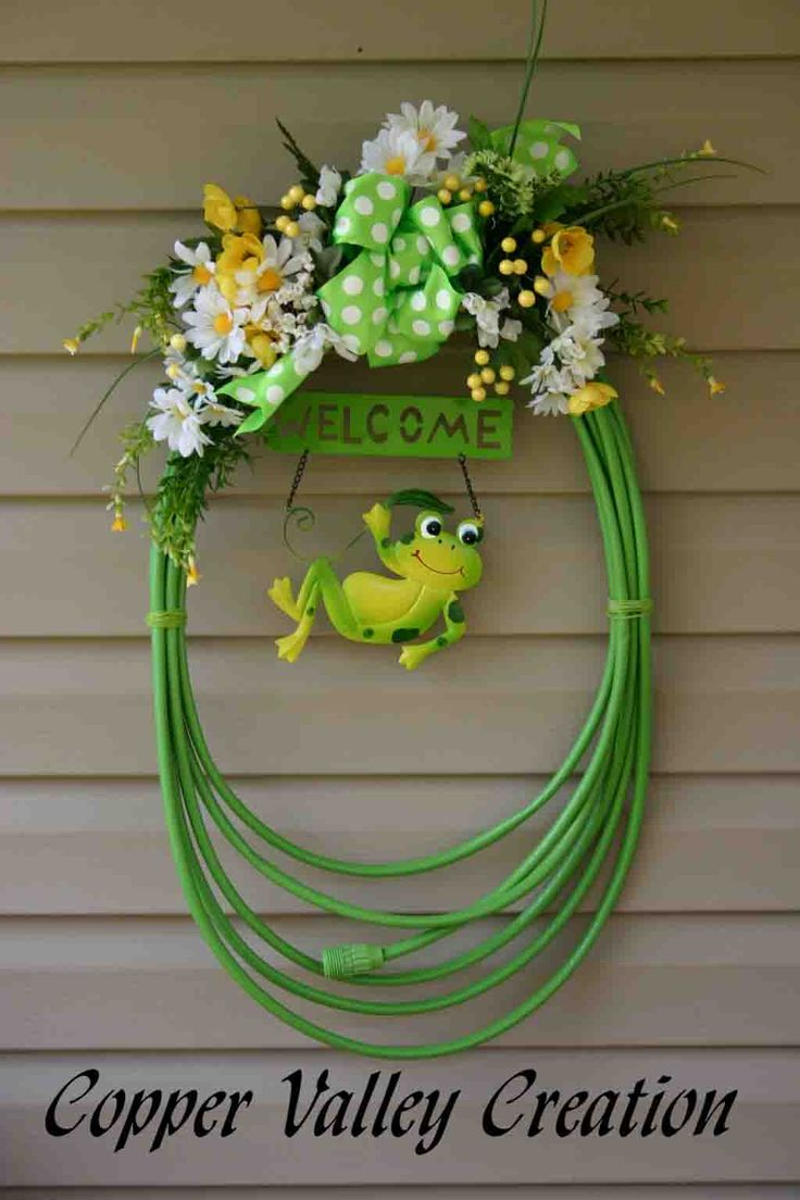 Garden Hose Wreath with frog and flowers