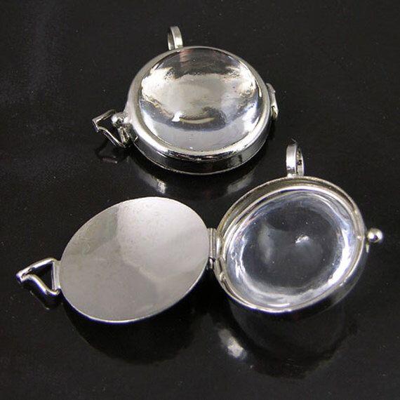 4 Lupe Lockets, Silber Anhänger, G2344 von HHHdesigns auf Etsy https://www.etsy.com/de/listing/224401276/4-lupe-lockets-silber-anhanger-g2344